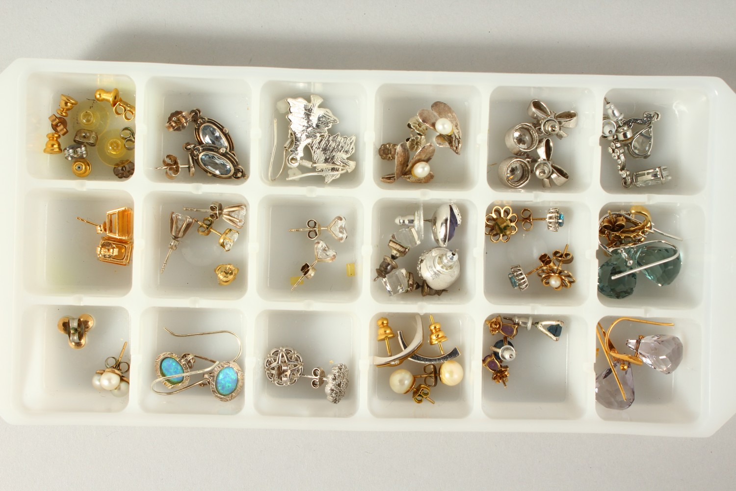 Lot 1750 - A TRAY OF TWENTY-THREE VARIOUS PAIRS OF EARRINGS.