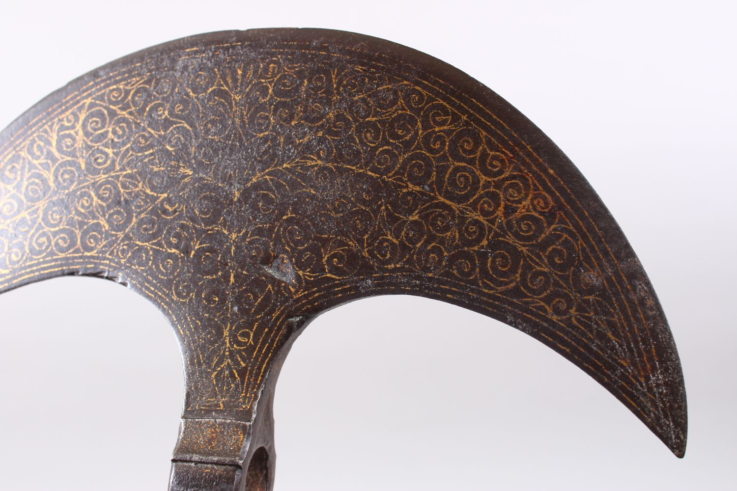 Lot 231 - A RARE 16TH - 17TH CENTURY OTTOMAN GOLD INLAID DOUBLE HEADED AXE, 24.5cm.