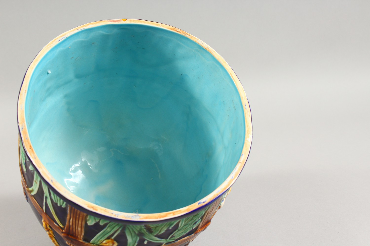 Lot 1139 - A MAJOLICA STYLE CIRCULAR CHEESE DOME.