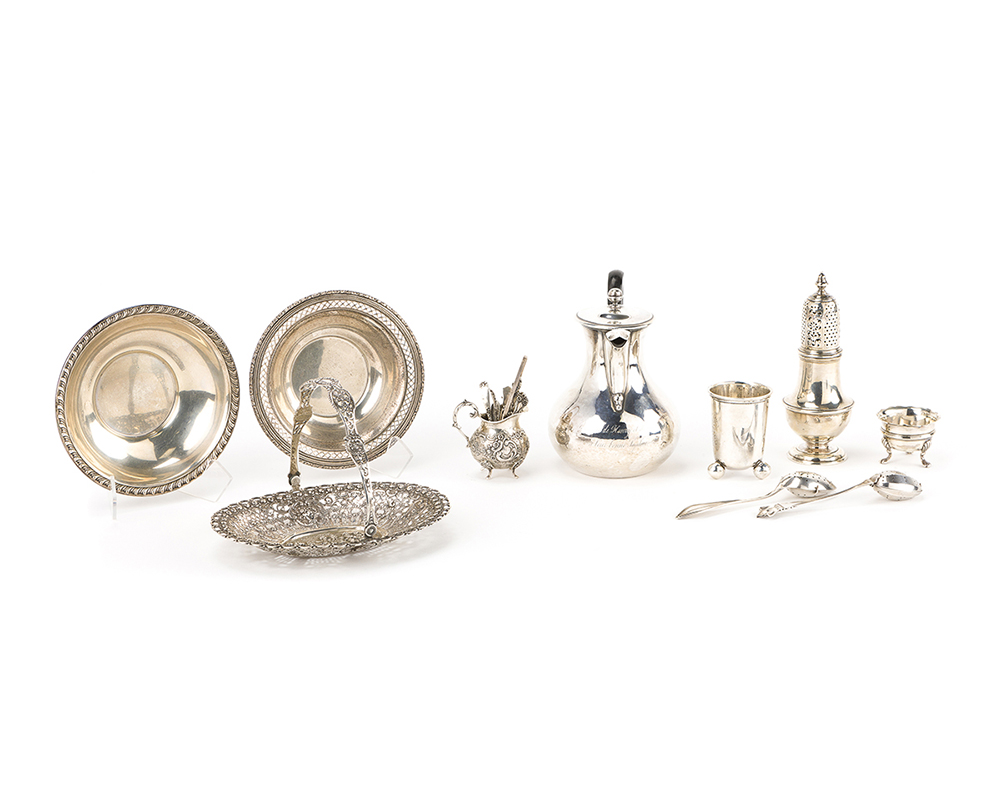 Lot 1262 - A group of silver objects