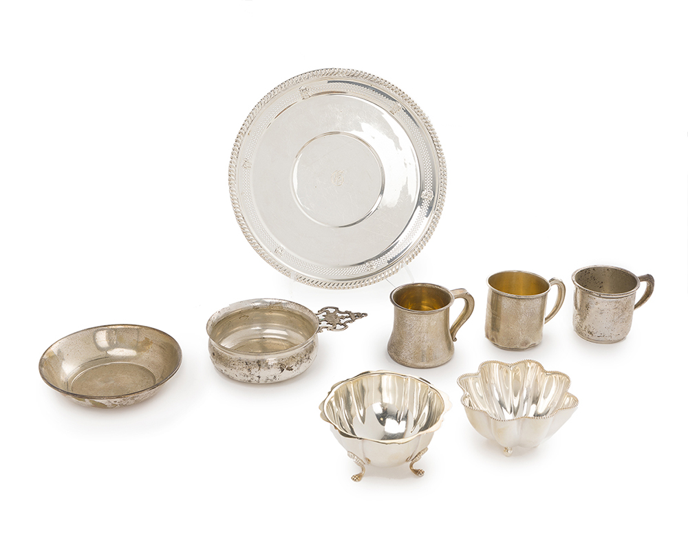 Lot 1261 - A group of sterling silver holloware