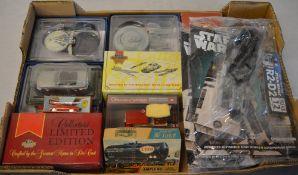 Various collectors models including Star Trek ships, partwork R2D2 magazine,