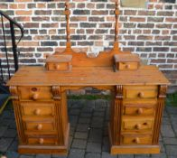Pine dressing table (no mirror)