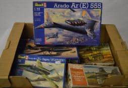 Various model kits including a Revell Arado Ar (E) 555 and a Frog Canberra