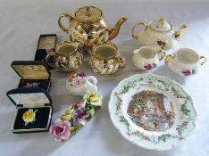 Selection of mixed ceramics and brooches inc Royal Doulton Brambly Hedge, Masons & Aynsley