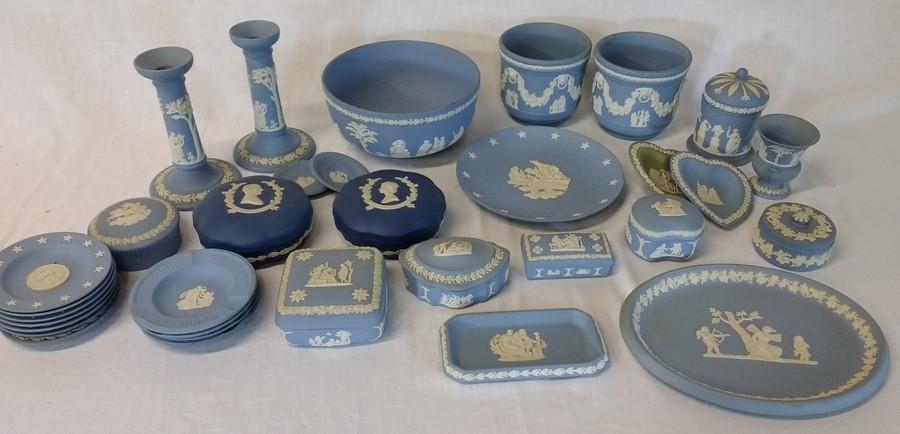 Lot 26 - Selection of Wedgwood Jasperware