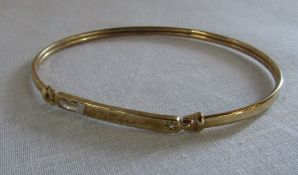 9ct gold bangle engraved to 'Edna' Birmingham hallmark total weight 4.1 g