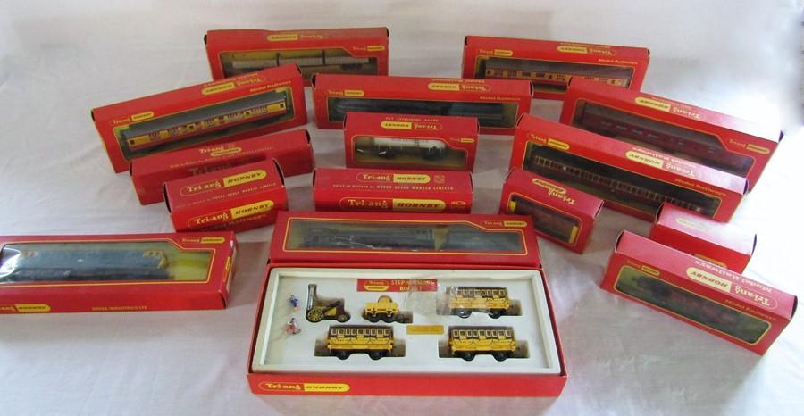 Lot 35 - Assorted Hornby Tri-ang model railway items inc Stephenson's Rocket, R259S Britannia locomotive,
