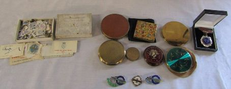 Assorted compacts, seal stamps & Budgerigar Society badges