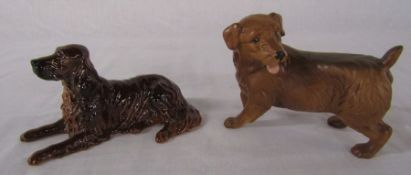 Beswick lying Red Setter no 1060 L 15 cm and Norfolk Terrier L 13 cm