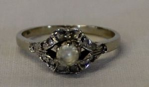 Tested as 14ct gold ring 2.7g