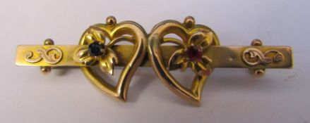 9ct gold double love heart / sweetheart brooch Chester hallmark length 4.5 cm weight 2.5 g