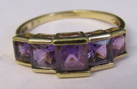 9ct gold 5 stone amethyst dress ring size R total weight 2.6 g