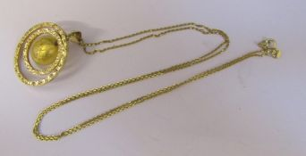 9ct gold necklace L 55 cm weight 1.9 g with 9ct gold swivel pendant (central bead with gold leaf) (
