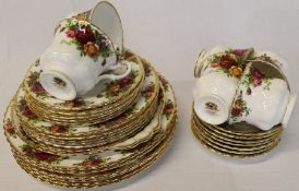 Royal Albert Old Country Roses part tea / dinner service approx. 32 pieces