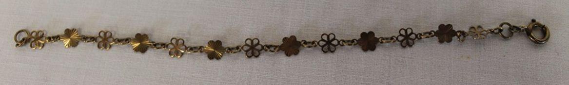 9ct gold floral link bracelet 2.8g