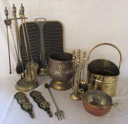 Various brass and copper inc coal bucket, fireside companion set, fireguard etc