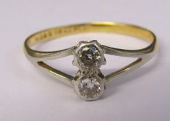 18ct gold and platinum two stone diamond ring approximately 0.20 ct size M weight 1.6 g