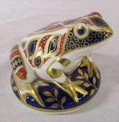Royal Crown Derby frog paperweight with gold stopper