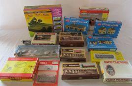 Various railway model kits inc Hornby, Ratio & Peco