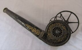 19th century mechanical bellows black painted body with gilt scroll decoration L 51 cm