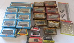 Quantity of 00 gauge carriages by Mainline Railways, Airfix Railway System etc
