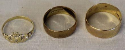 Three 9ct gold rings 7.2g