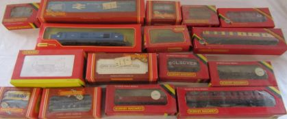 Selection of Hornby 00 gauge trains and carriages inc R2579 0-4-OST Queen Elizabeth II '80'