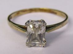 9ct gold cubic zirconia dress ring size O weight 1.5 g