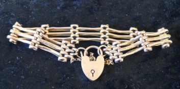 9ct gold gate bracelet with padlock clasp 14g