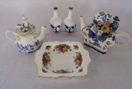 Royal Albert 'Old Country Roses' dish 21 cm x 17 cm, Cardew novelty teapot, Royal Doulton 'Real