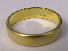 18ct gold band ring size O weight 4.2 g