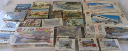 Assorted Airfix model kits inc vintage aircraft, supermarine spitfire VB, mustang and skyhawk