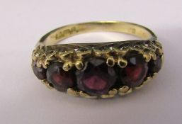 9ct gold 5 stone graduated garnet ring size L/M weight 3.1 g
