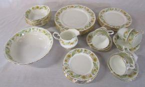Duchess 'Greensleeves' part dinner / tea service