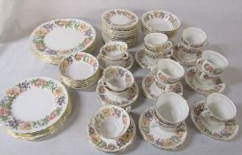 Quantity of Paragon 'Country Lane' dinner / tea service