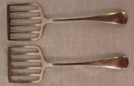 Pair of silver sardine servers Sheffield 1905 2.15ozt