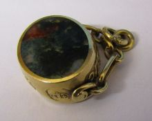 9ct gold swivel fob total weight 11.1 g