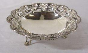 Silver dish Birmingham 1960 weight 2.90 ozt L 12 cm H 4 cm