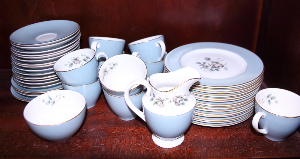 "Lot 30 - A Royal Doulton ""Rose Elegans"" pattern part combination service for twelve"