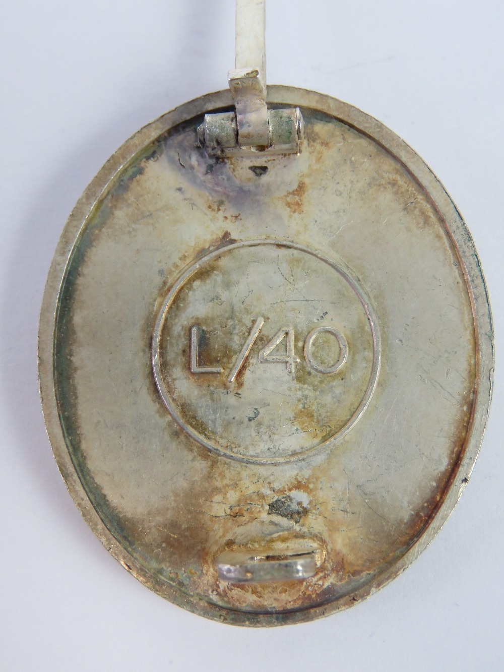 Lot 49 - A WWII German 'Silver' Wound badge, marked L/40 to back.