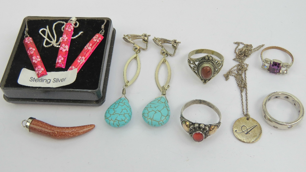 Lot 205 - A quantity of jewellery including a 925