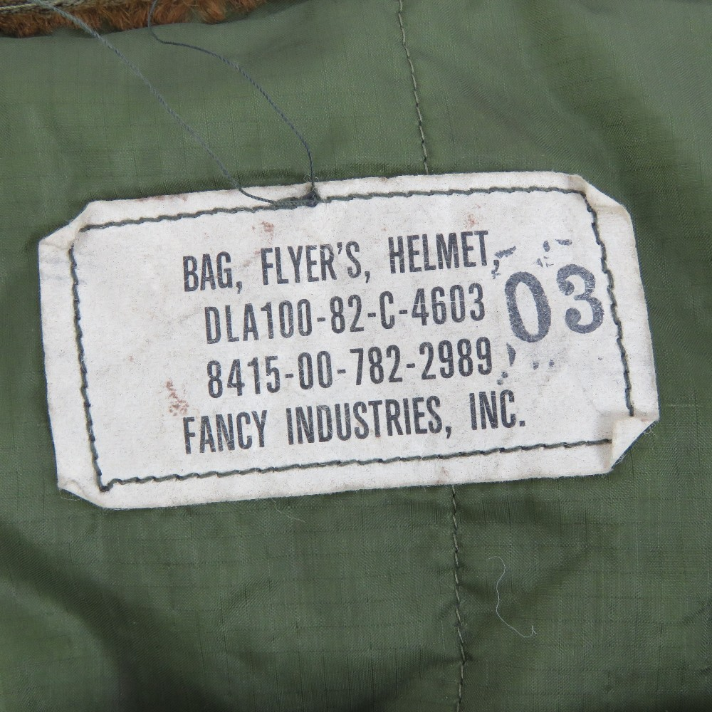 Lot 114 - A United States Air Force pilots helmet