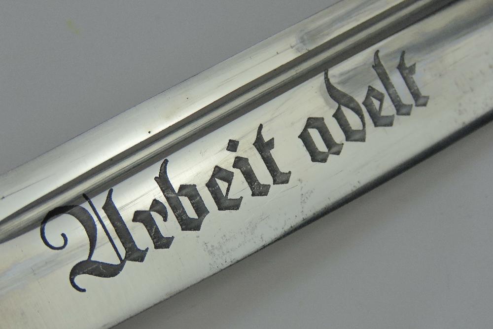 Lot 78 - A WWII German, RAD Officers dagger, blad