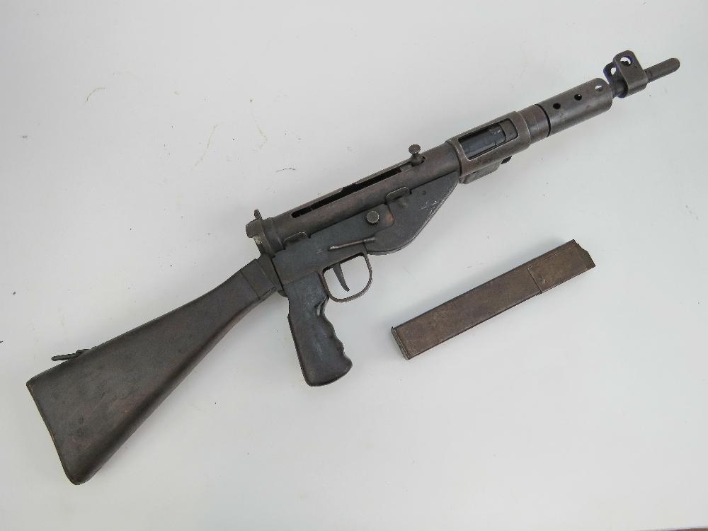 Lot 1 - A deactivated (EU Spec) Sten MK V 9mm su