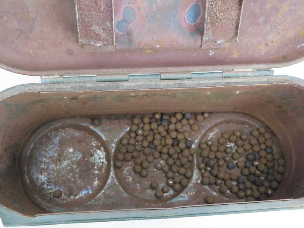 Lot 14 - A WWII German triple S Mine carry case d