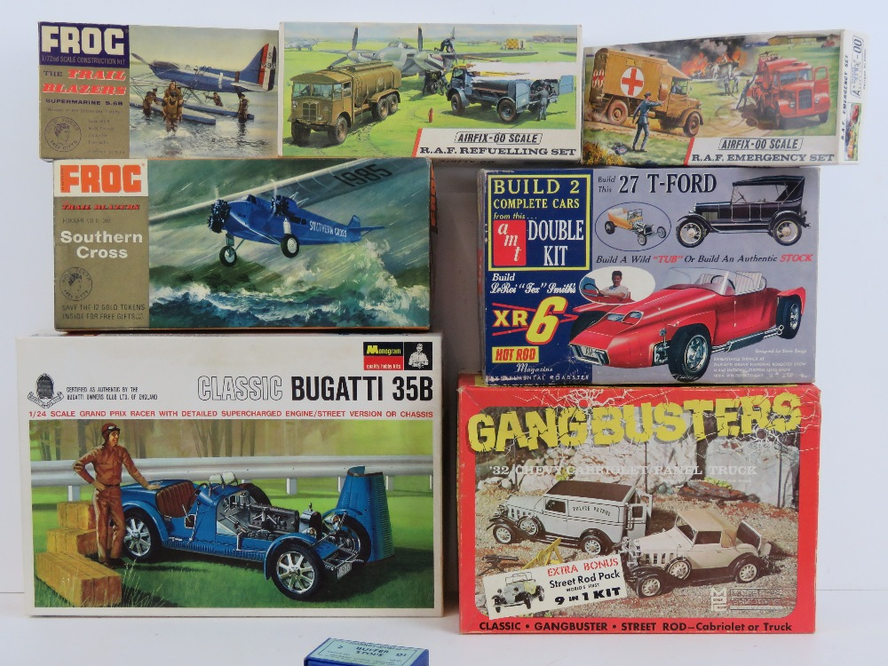 Lot 552 - A quantity of Airfix and other scale mod
