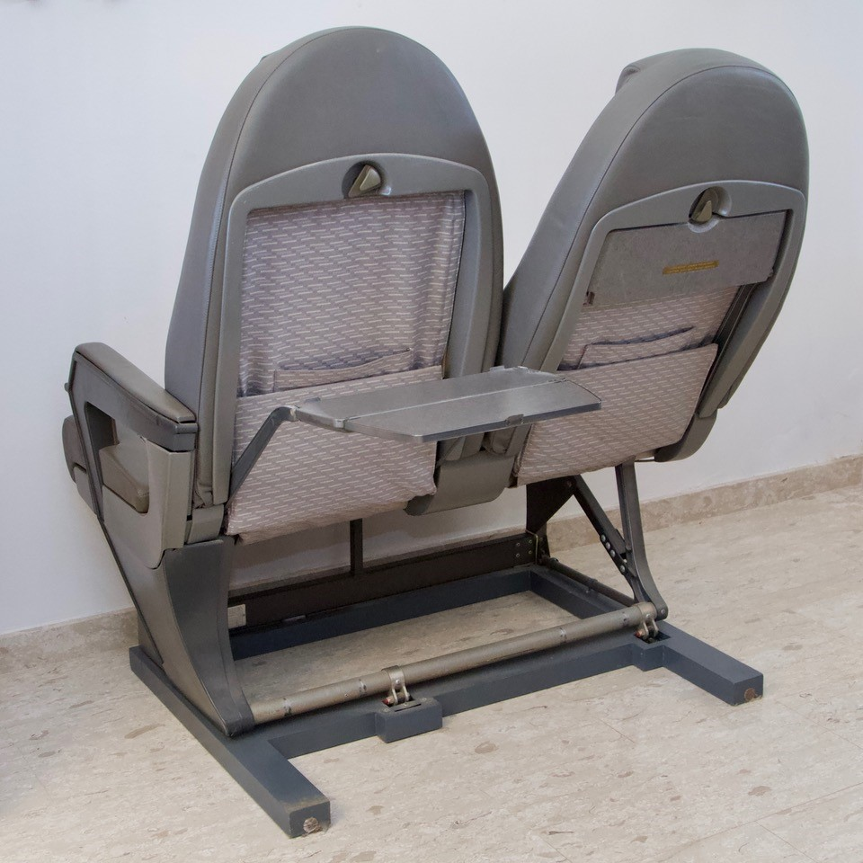 Lot 400 - Concorde Seats 1C & 1D, British Airways, G-BOAB. Removed from G-BOAB in Nov.