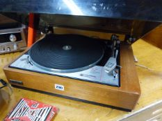 A GOLDRING LENCO GL78 TEAK CASED RECORD DECK TOGETHER WITH A HITACHI STEREO RADIO RECIEVER SR700 AND