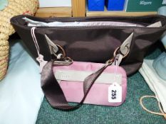A RADLEY GRAB BAG FROM THE EXTRAS RANGE IN TEFLON TREATED BROWN FABRIC COMPLETE WITH REMOVABLE